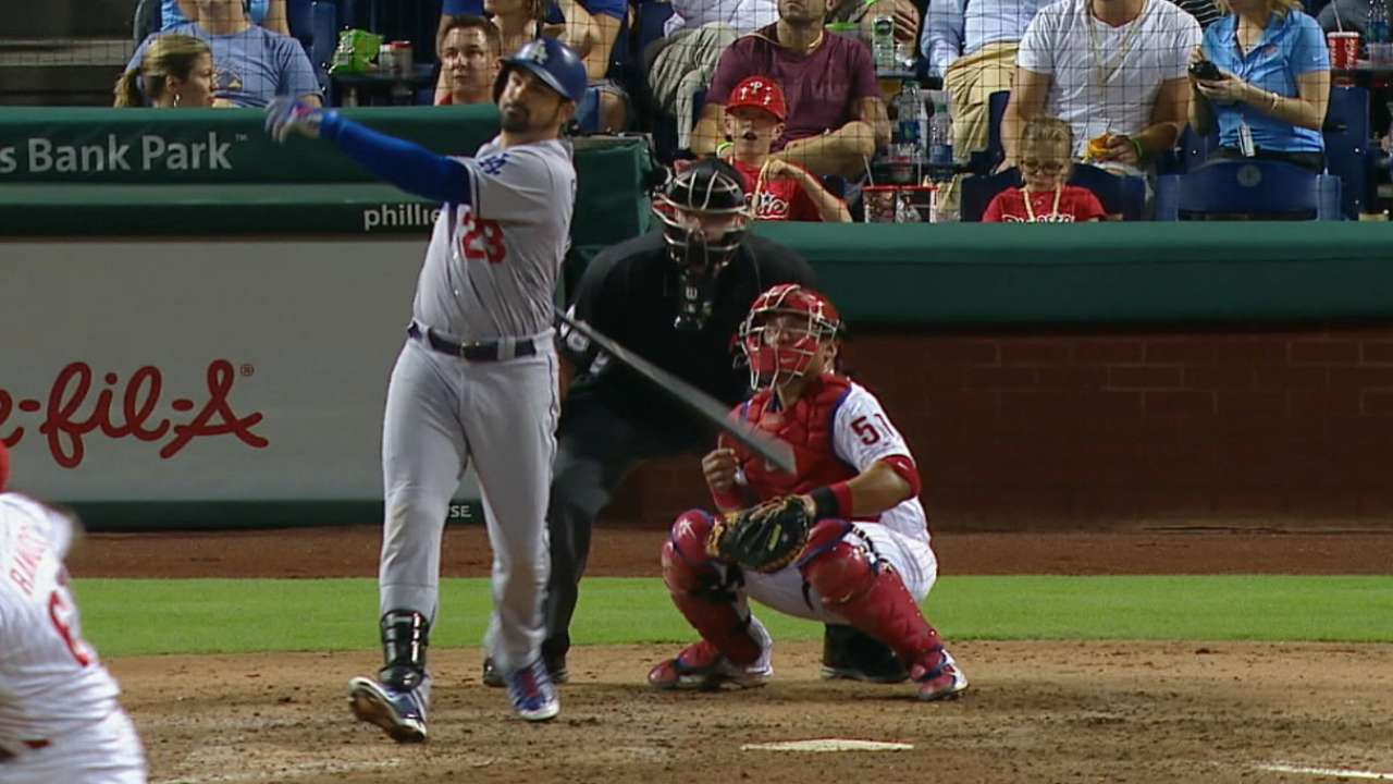 A-Gon's HRs help Dodgers extend NL West lead