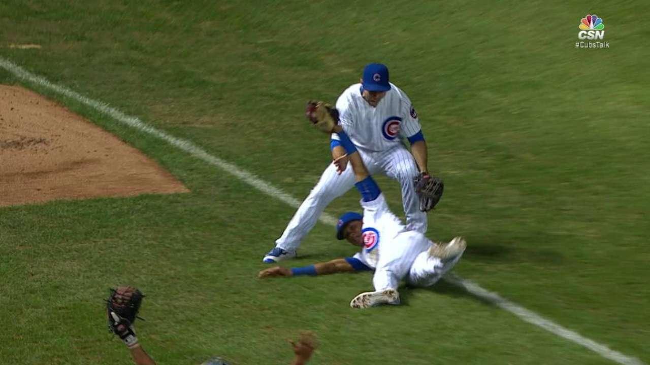 Russell's crazy run-saving catch