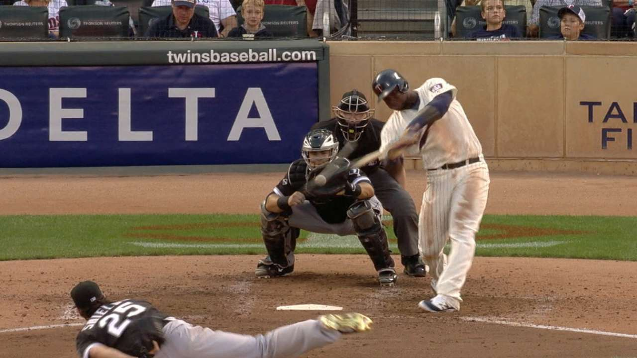 Dozier at center of Twins' impressive power surge