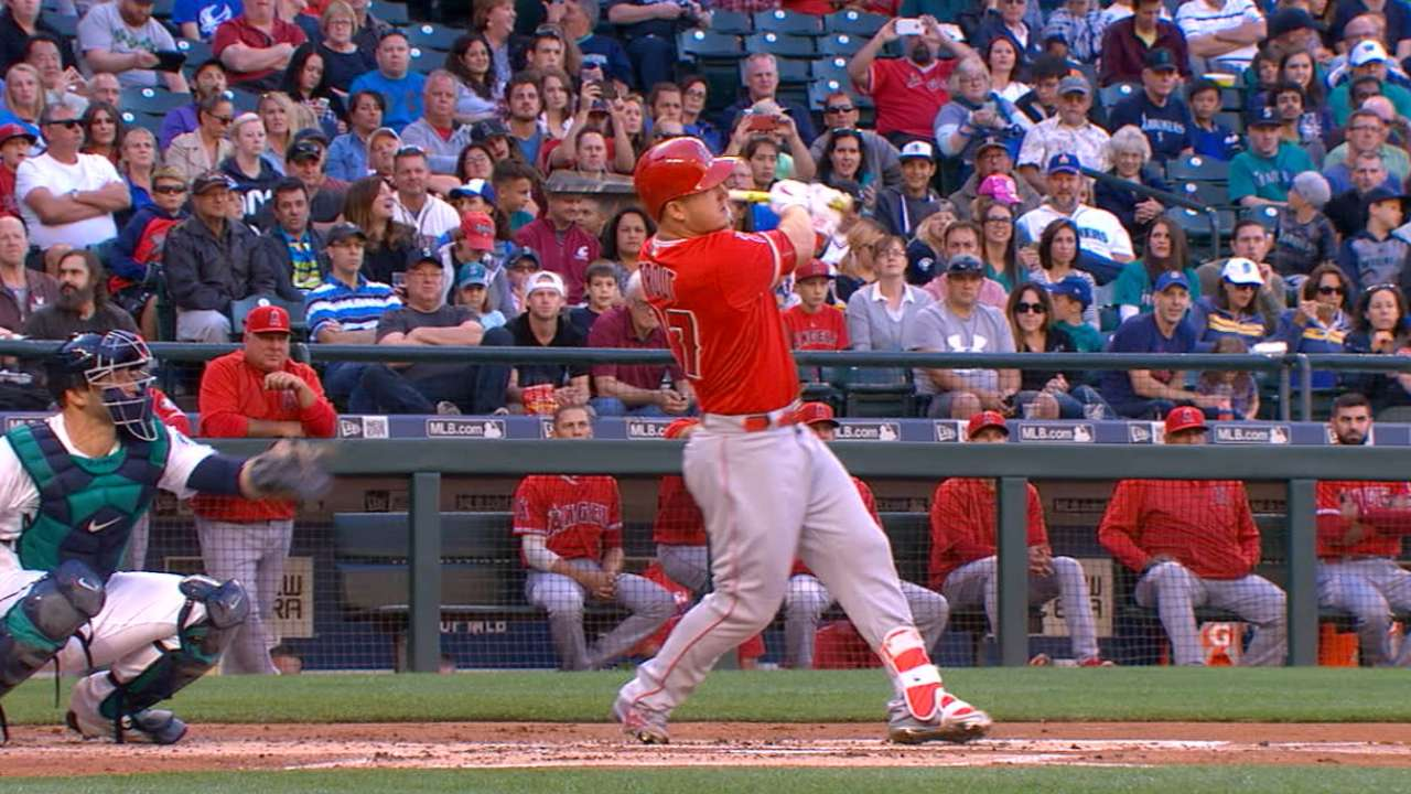 Trout hammers 427-ft. homer