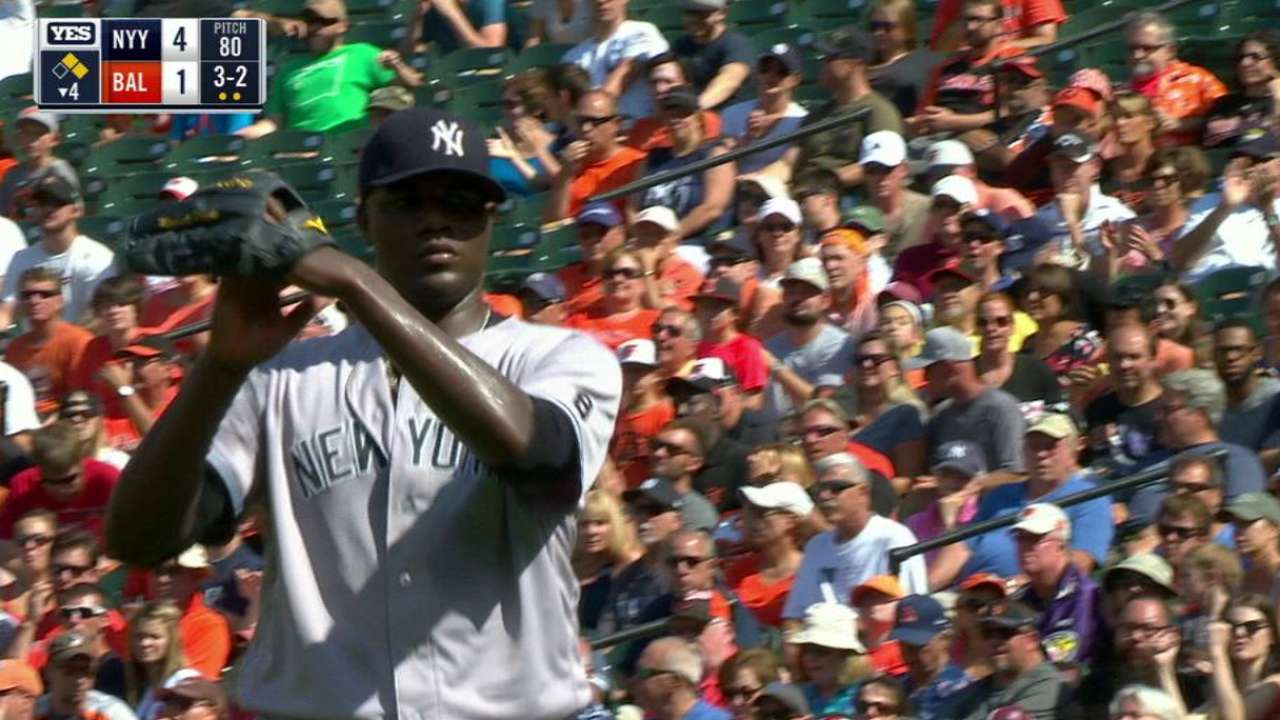 Pineda escapes jam in the 4th