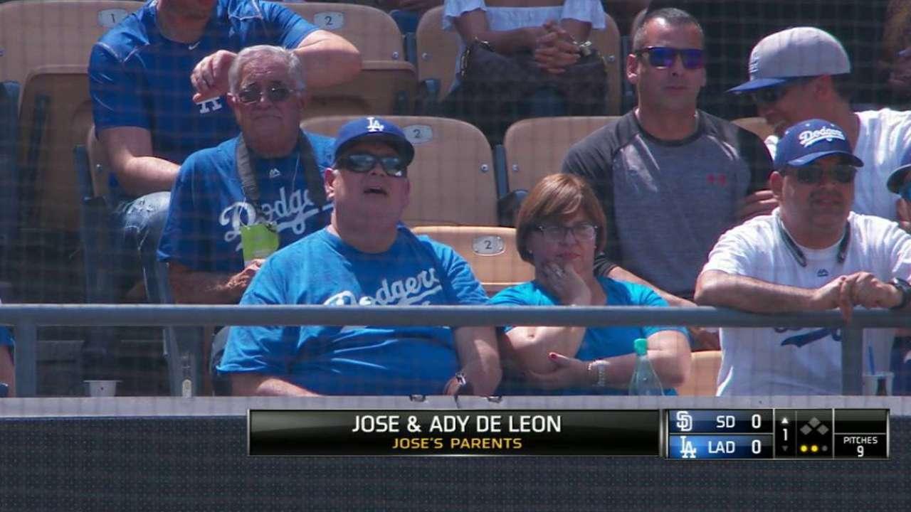 De Leon's parents enjoy debut