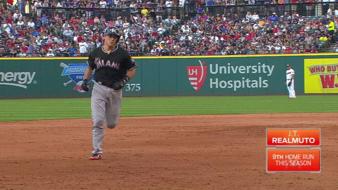 Realmuto's game-tying jack