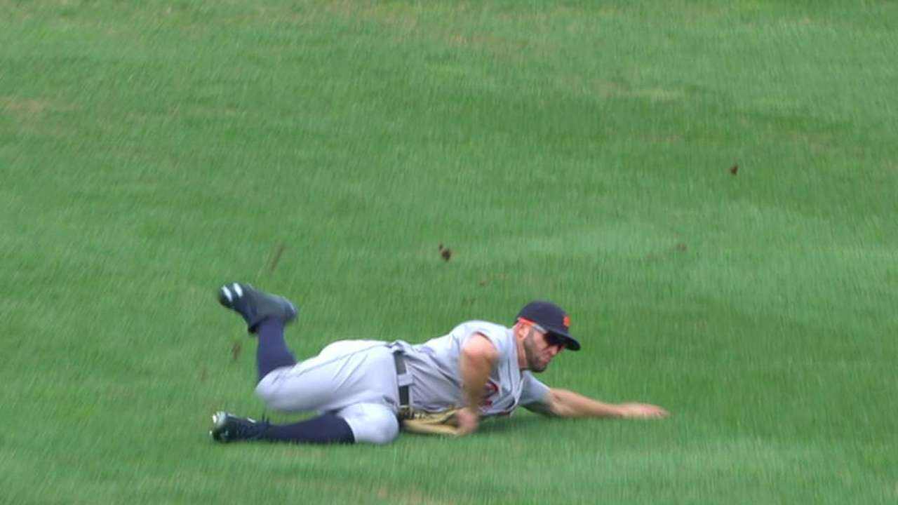 Collins' diving catch