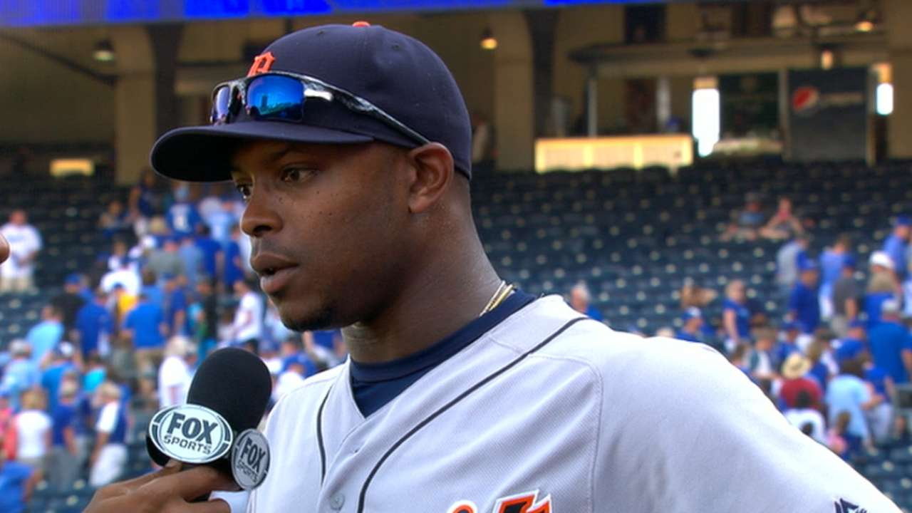Upton adds to Tigers' late-inning heroics