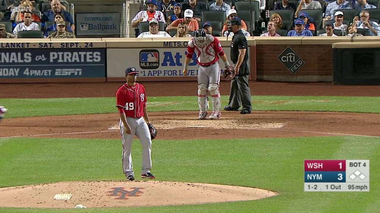 Lopez strikes out Rivera