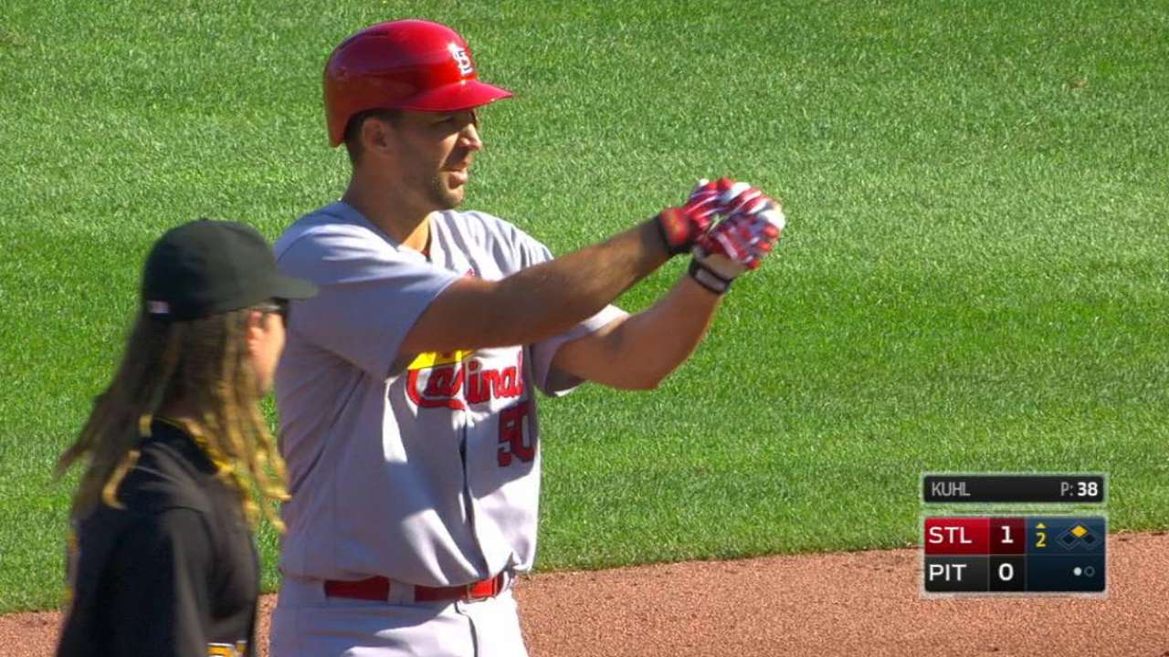 Waino drives in 3 as Cards gain ground in WC race