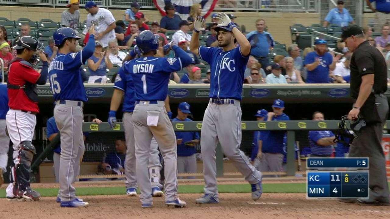 Royals' bats give worn-out bullpen a break