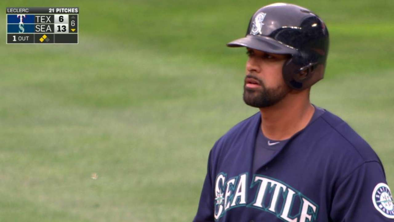 Seattle's righty hitters find success vs. southpaw