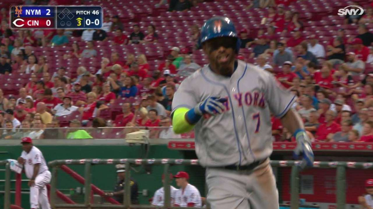 Reyes' solo big fly