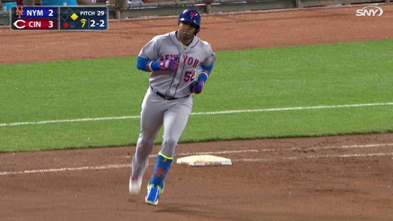 Mets doblegan a los Rojos con cuatro cuadrangulares