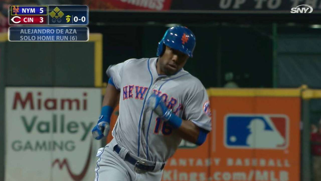 De Aza's pinch-hit homer