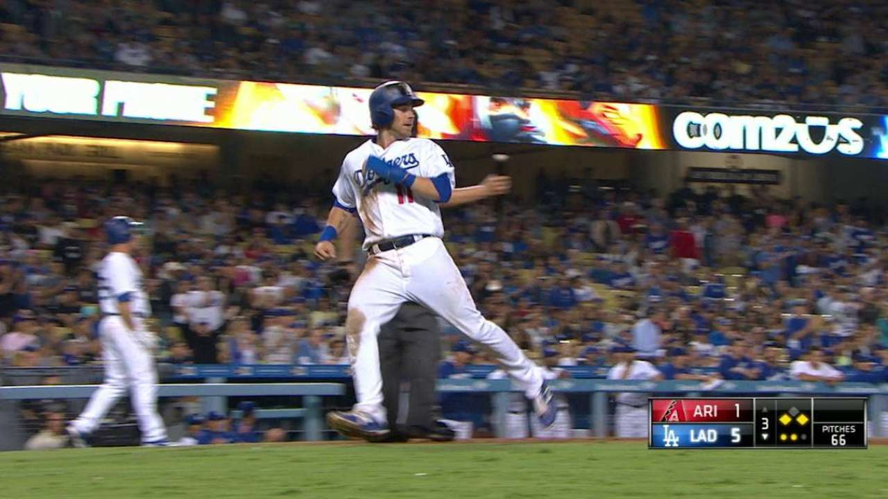 Dodgers hit D-backs hard for 4th straight win