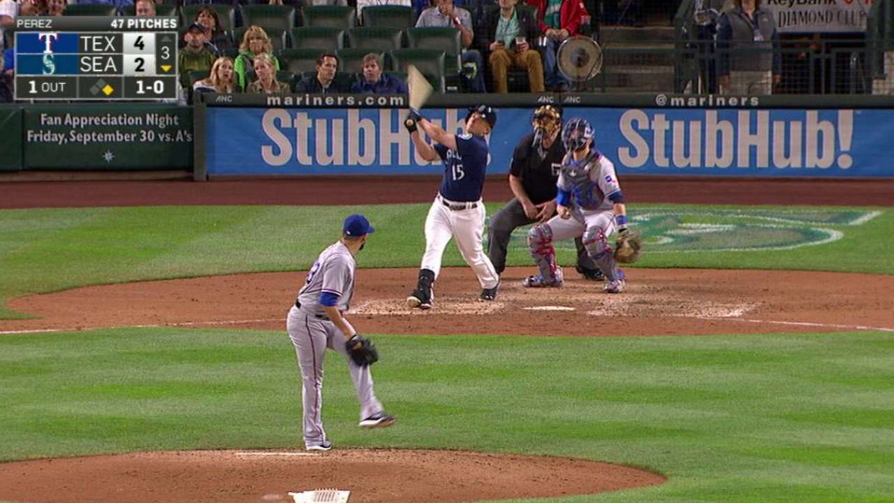 Seager's two-run homer to right