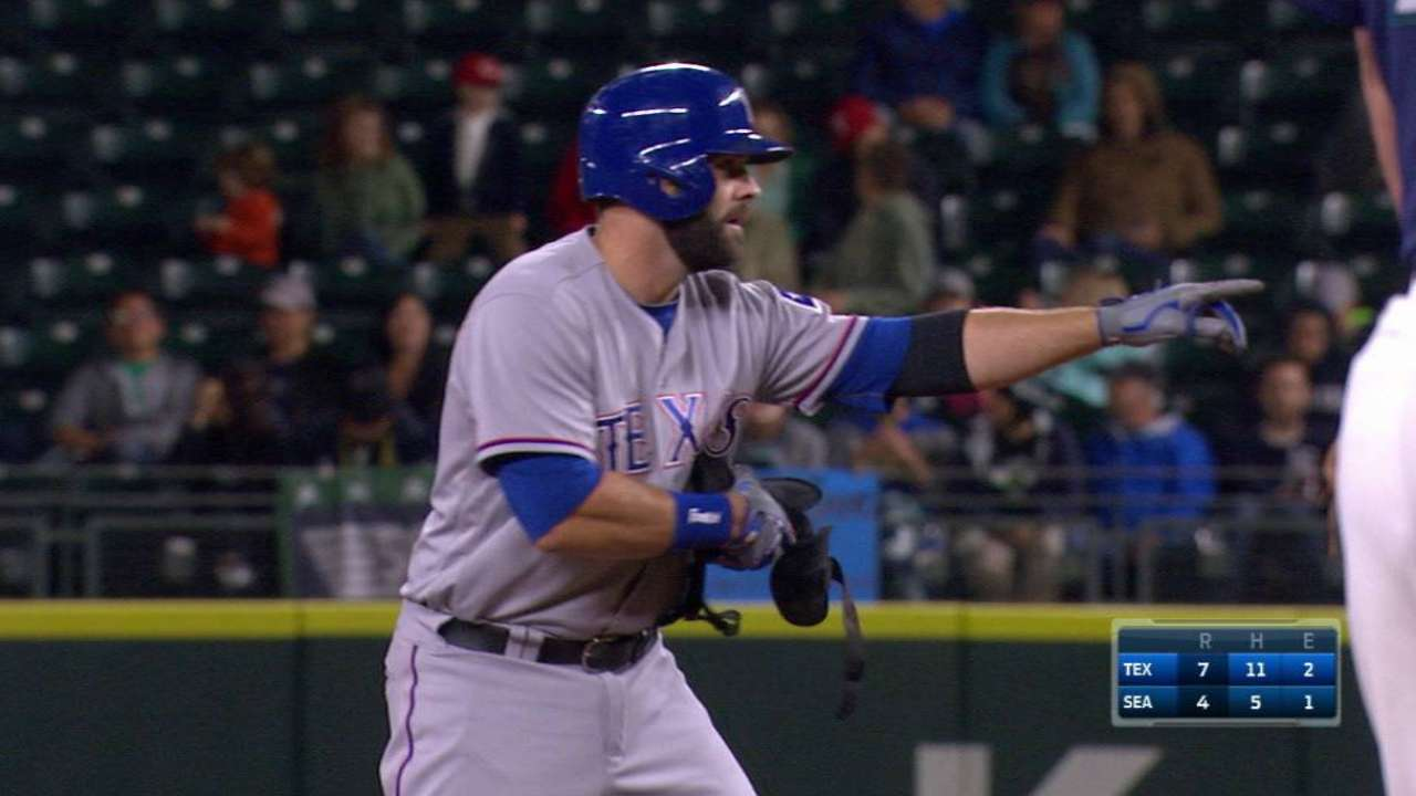 Moreland's RBI double to right