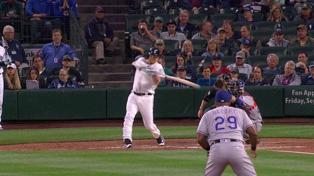 Lind finds 'sweet spot' early in 1st-inning slam