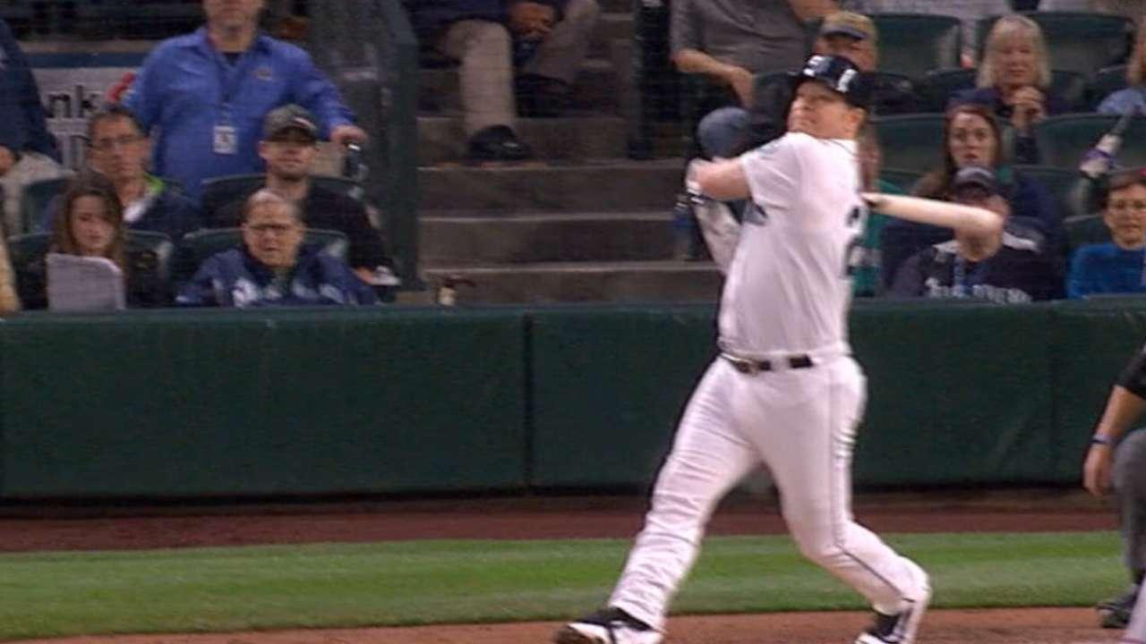 Miranda aprovechó respaldo de los bates y Seattle doblegó a Texas
