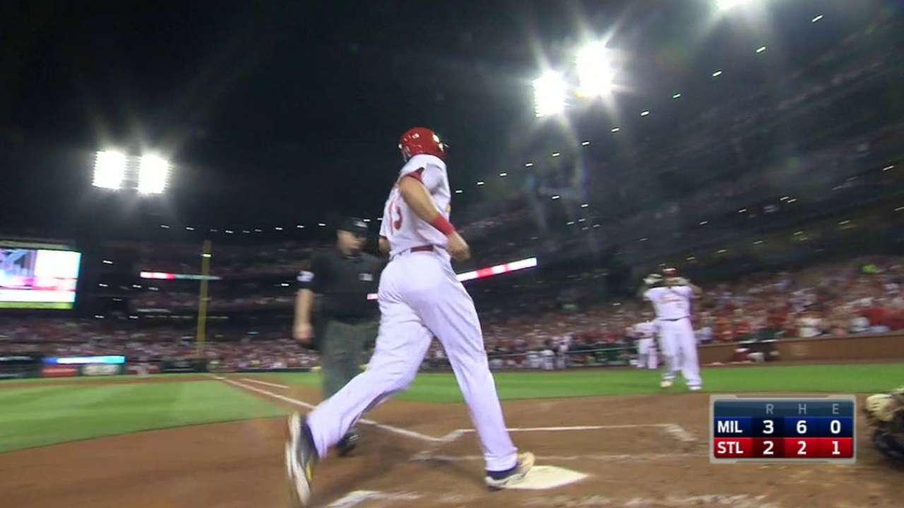 Cards topple Crew with HRs, keep pace in WC