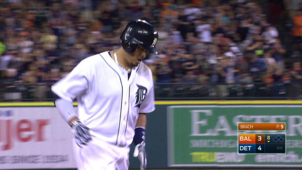 V-Mart's HR helps Tigers tie O's for 2nd WC