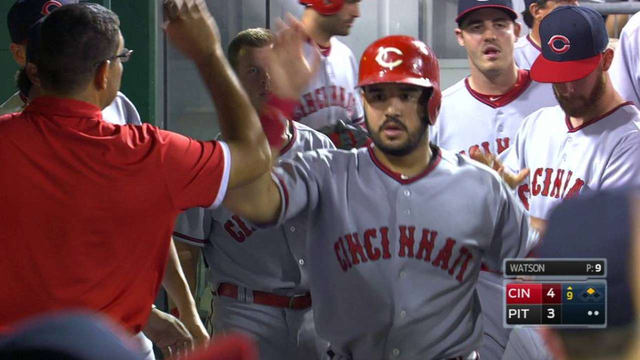 Bucs lose ground in WC with Reds' victory