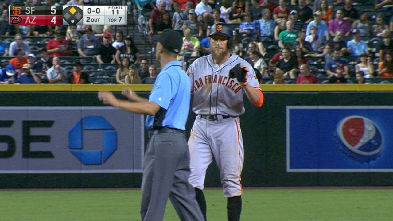 Pence sparks offense, saves Giants on defense