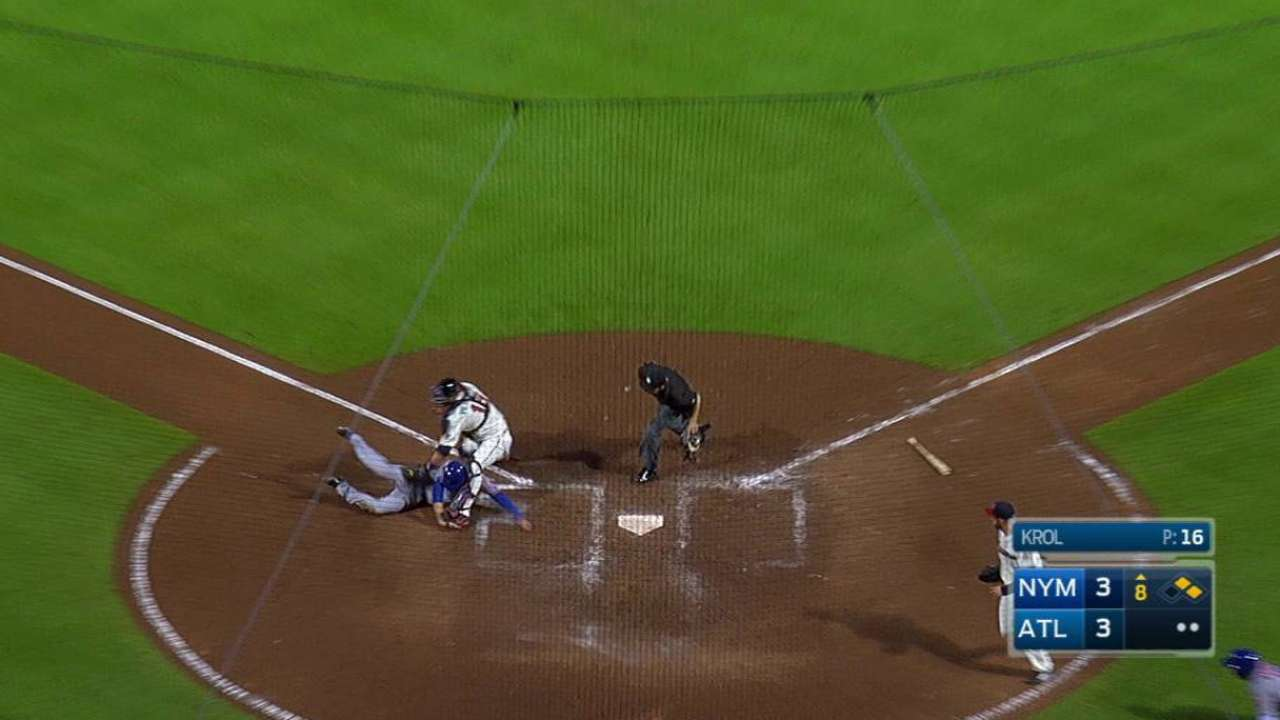 Markakis nabs Flores at home