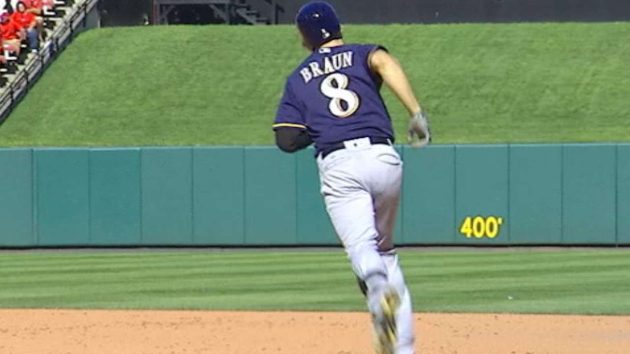 Braun's big fly knocks Cards off Wild Card pace