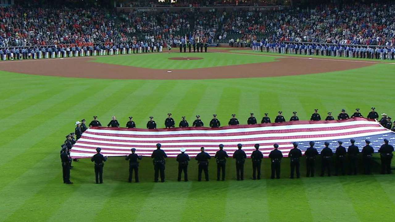 Astros, Cubs pause to remember 9/11 victims