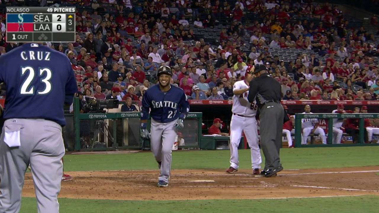 Cano's towering solo homer