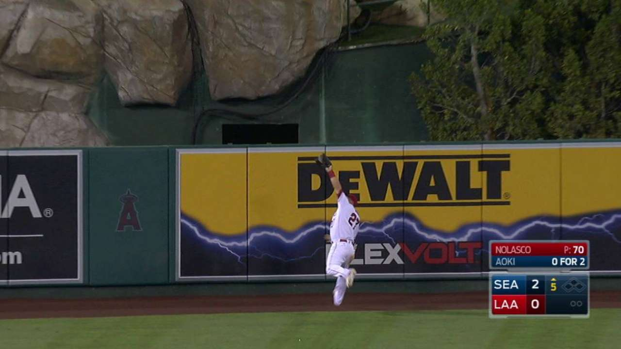 Trout's nice running grab