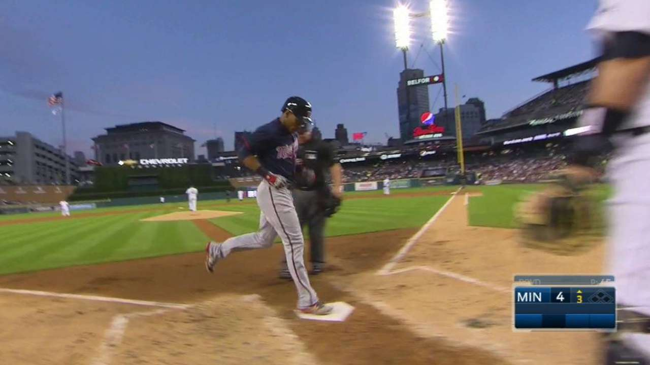 Tigers thumped by Twins, fall 2 back in Wild Card