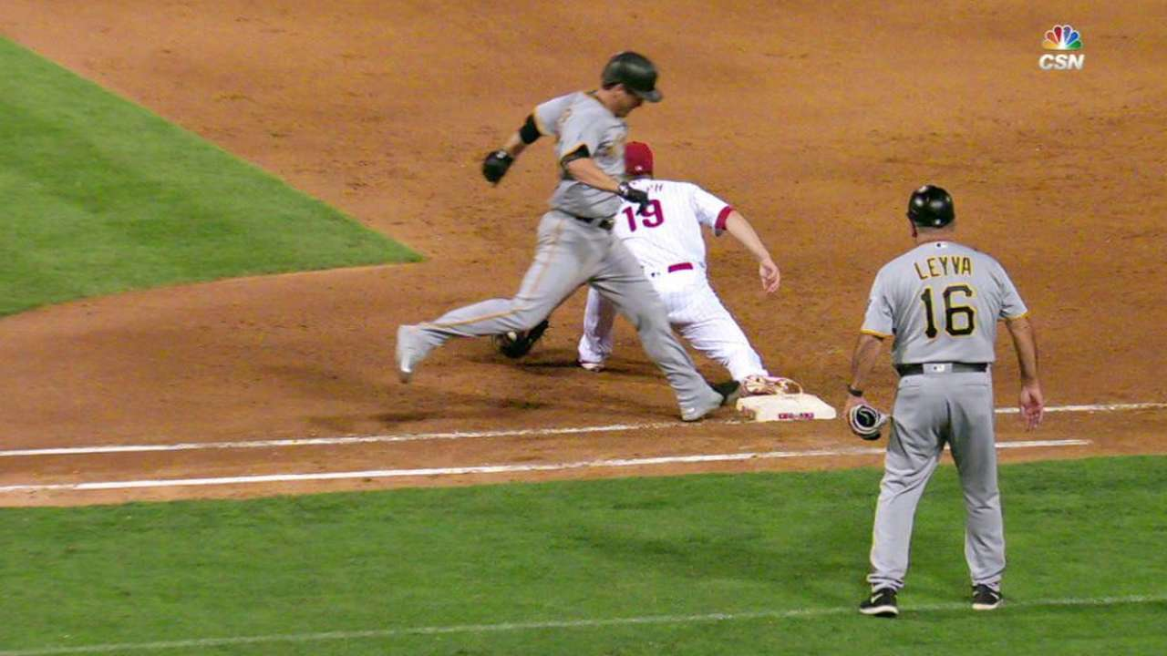 Phillies' third double play