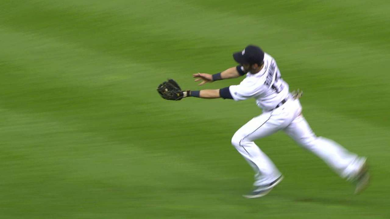 Romine's over-the-shoulder catch