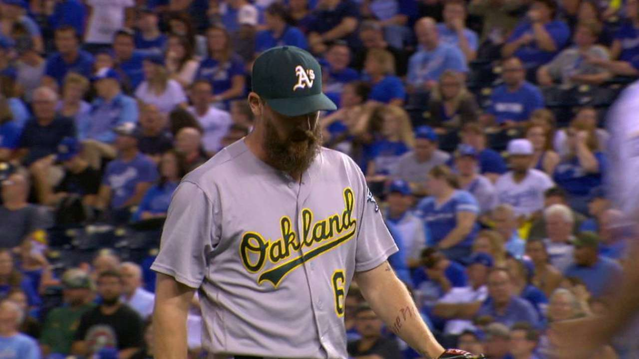 Axford fans Perez to end the 6th