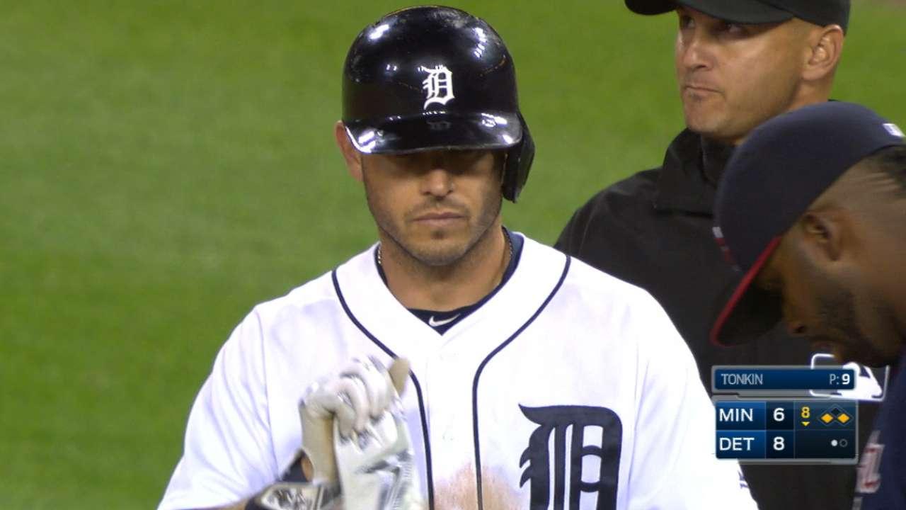 Kinsler's four hits, three RBIs