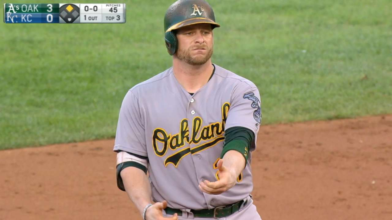 A's bats do major damage in sweep of Royals