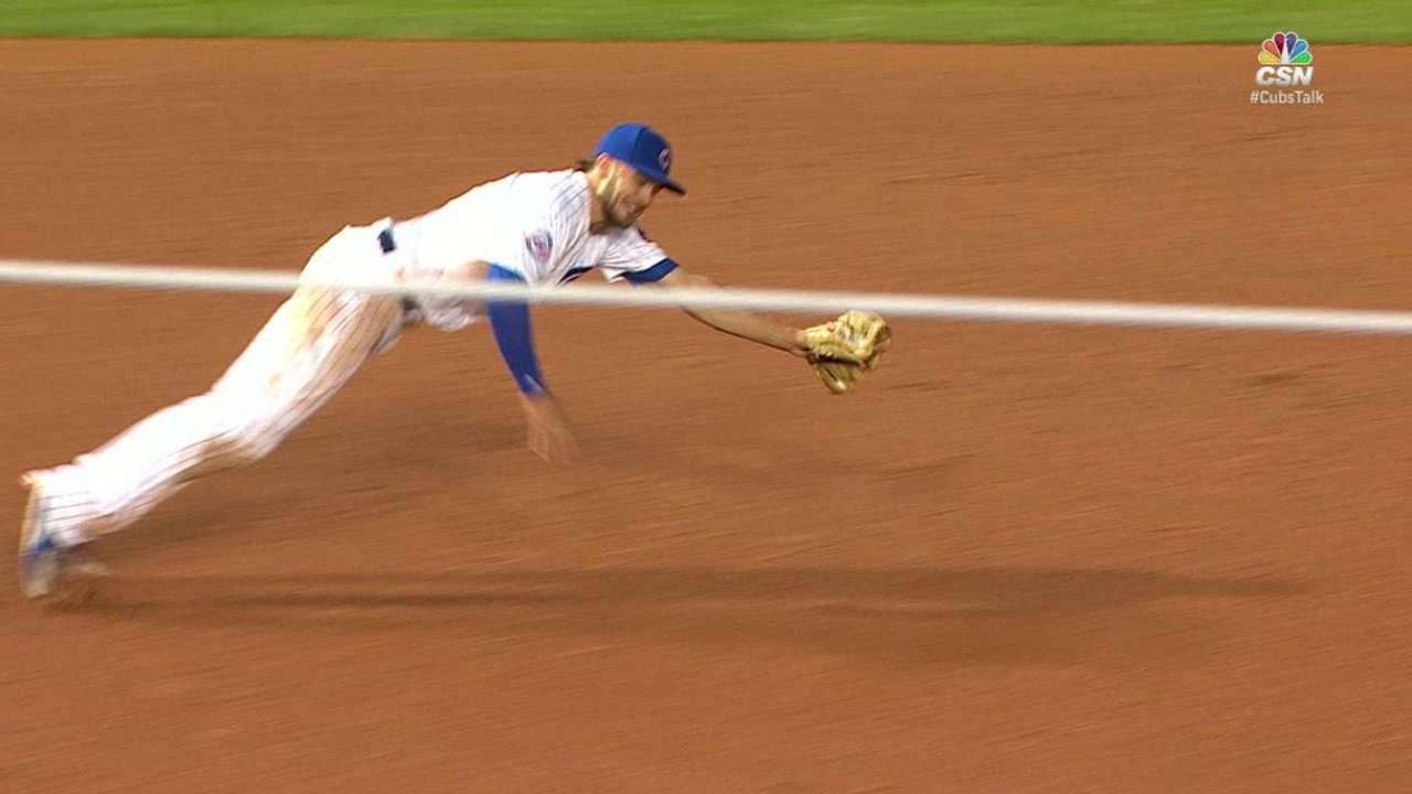 Bryant's diving play at third