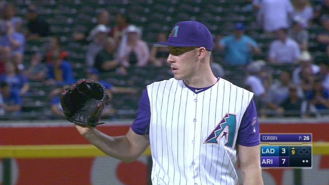 D-backs avoid arbitration with four players