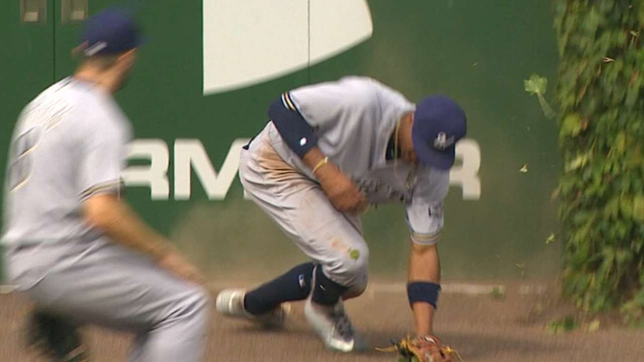 Broxton hurt after great catch