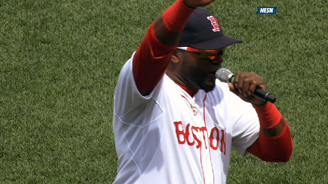 Ortiz rallies Boston crowd