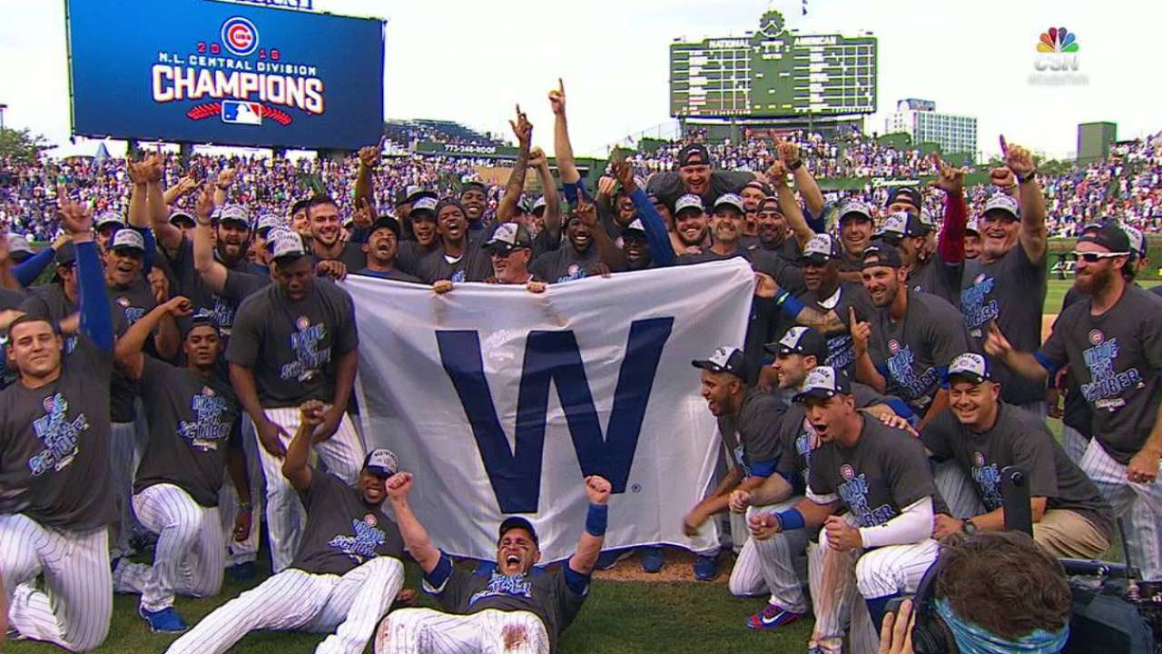 Cubs celebrate with 'W' flag