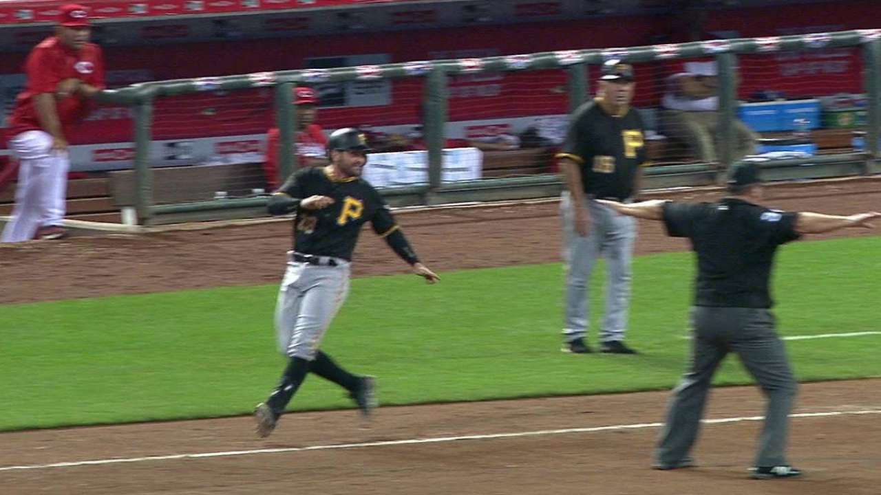 Cervelli beats out bunt in 10th