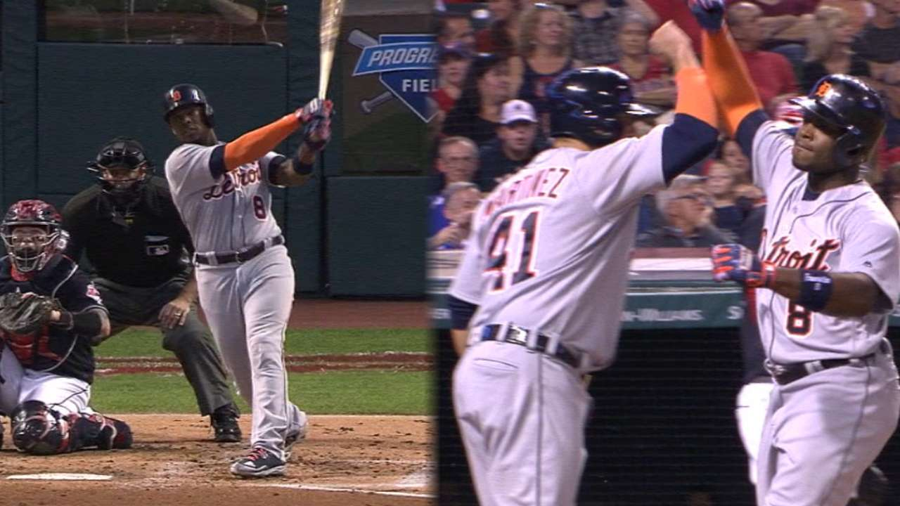 Upton's two homers total 854 ft