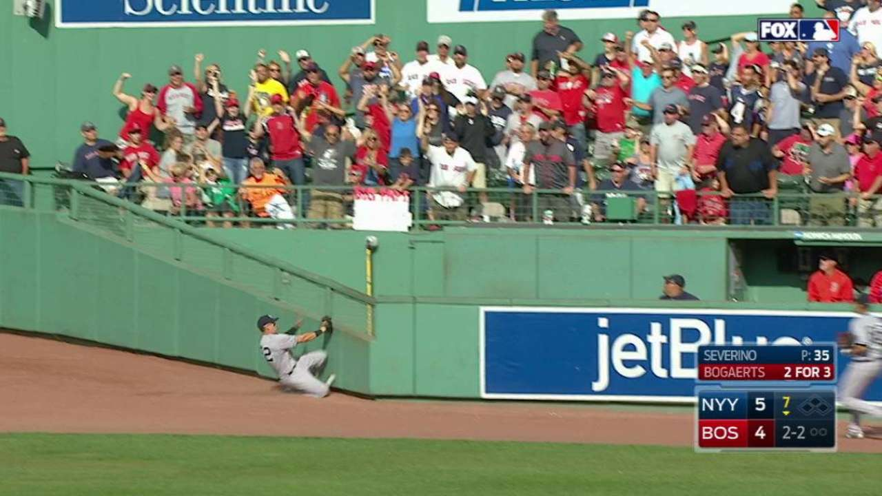 Bogaerts' double to center