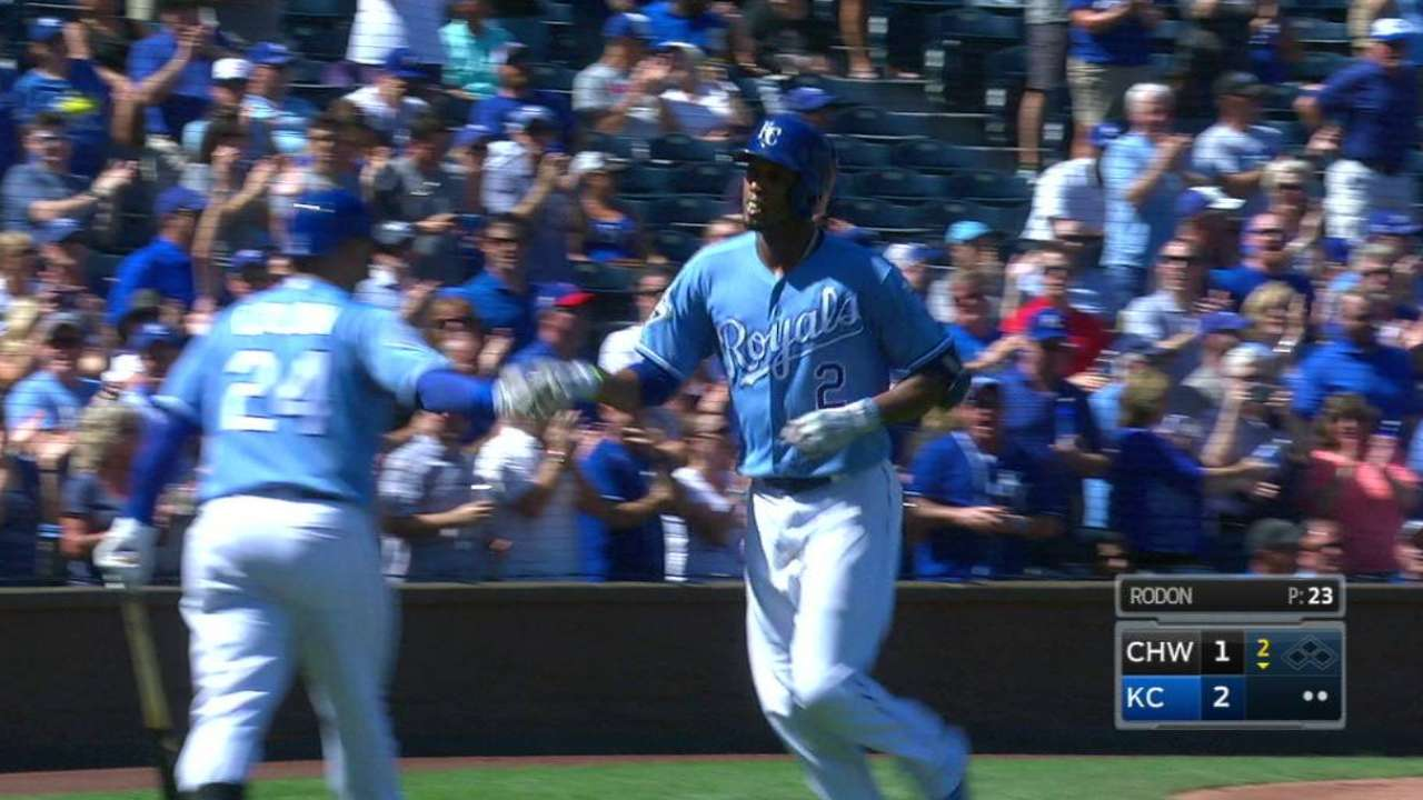 Ventura goes distance as Royals thump Sox