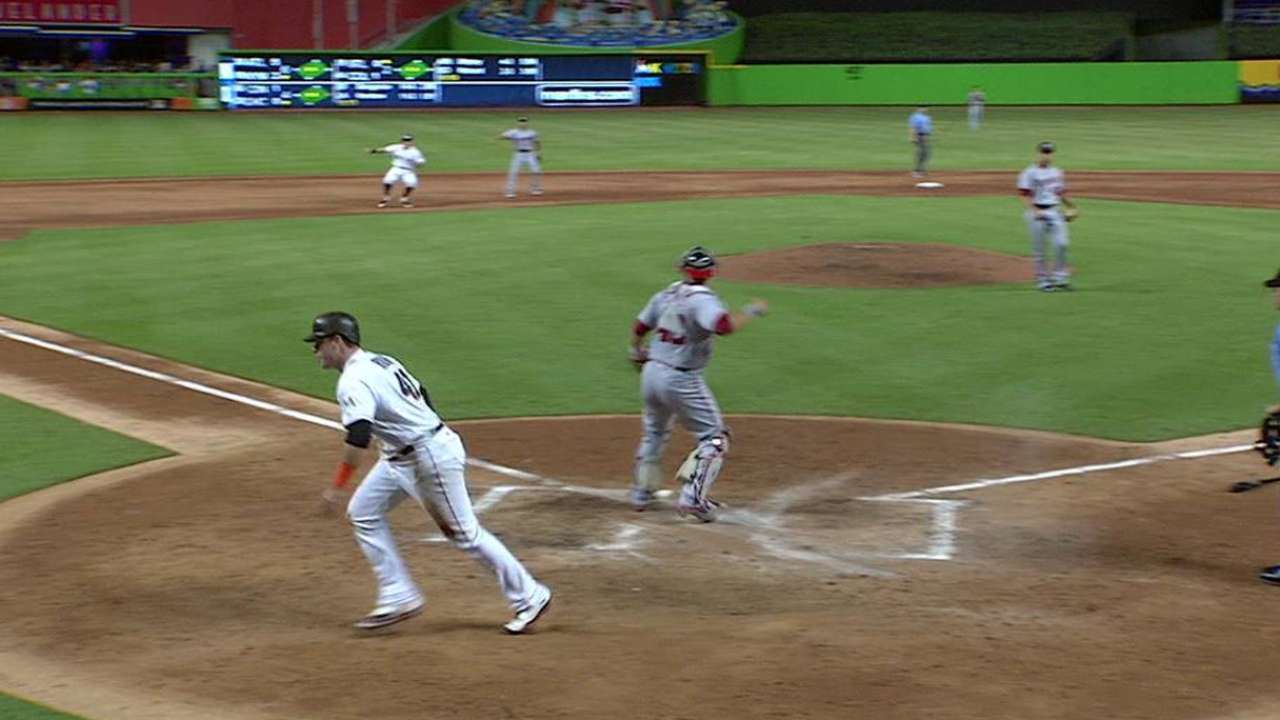 Marlins capitalize, edge Nats to gain in race
