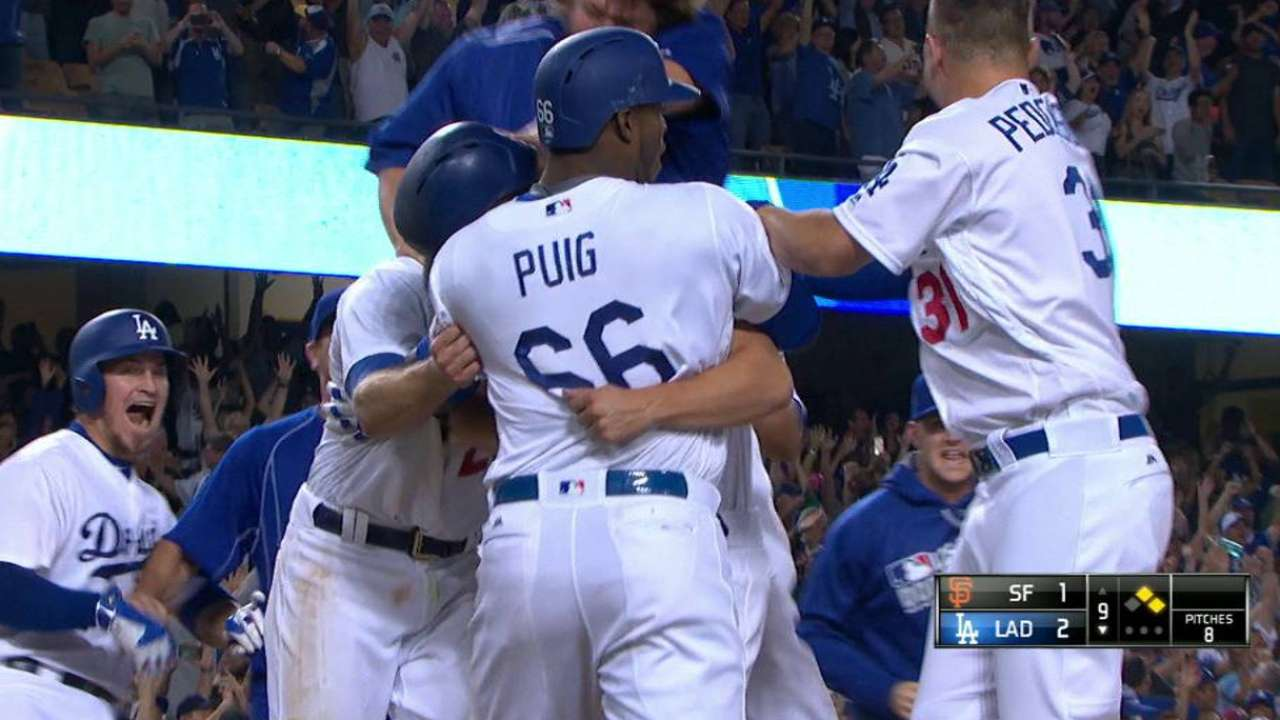 Gonzalez's walk-off RBI double