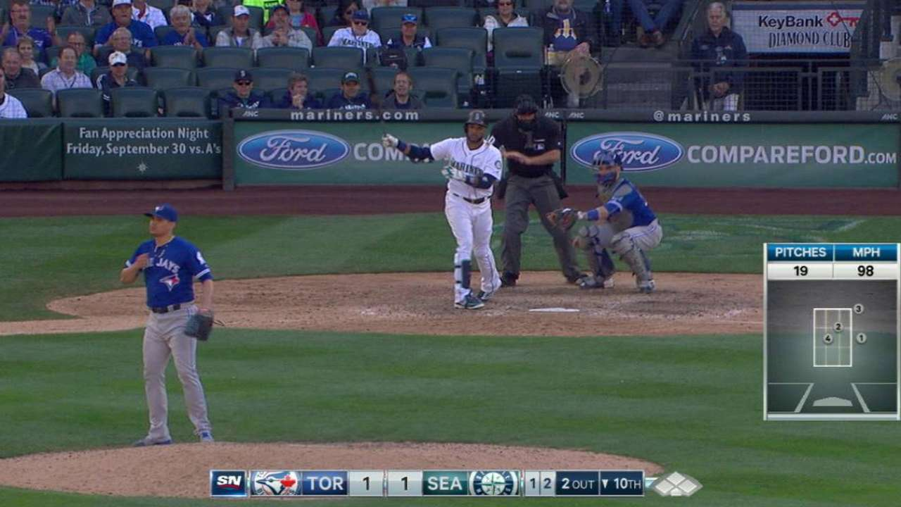 Osuna strikes out the side
