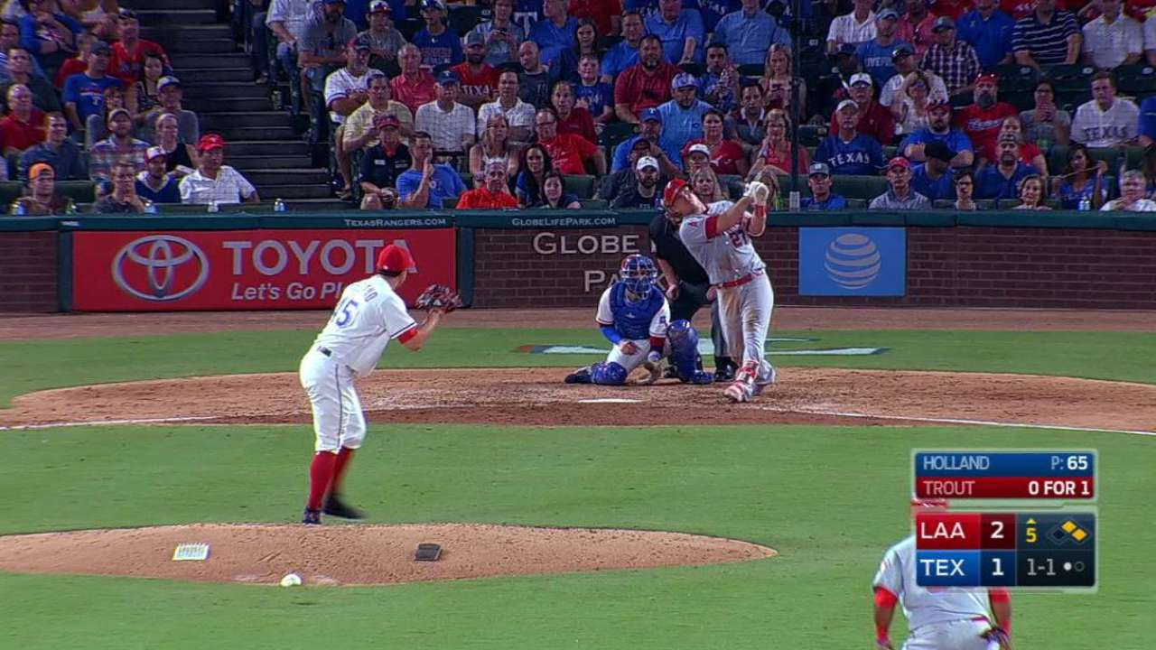 Trout's HR carries Angels over Rangers