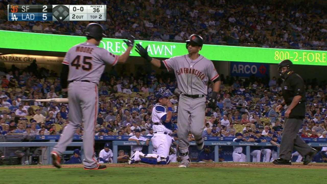 Giants agree to deals with Adrianza, Gearrin